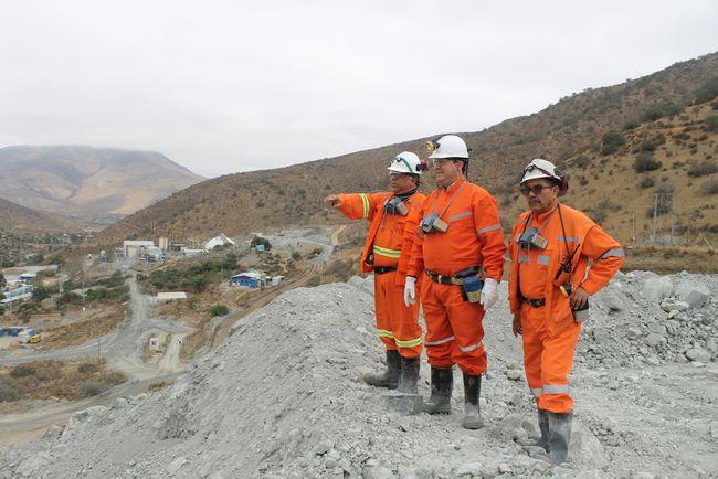 Gobernador de Limarí visita planta minera